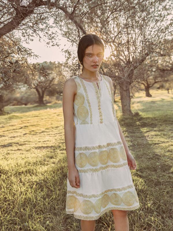 Embroidered sleeveless ruffle dress (1537A)